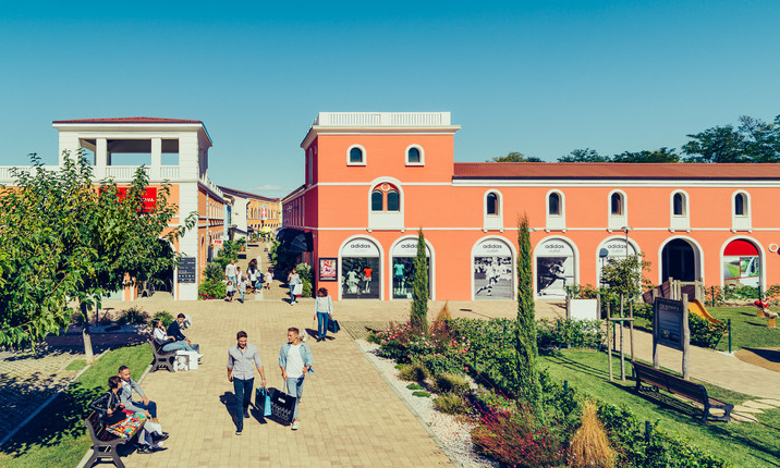 Palmanova Outlet Village - Palmanova Outlet Village